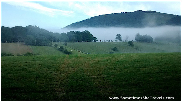 Morning fog leaving Roncesvalles. Photo by Félix.