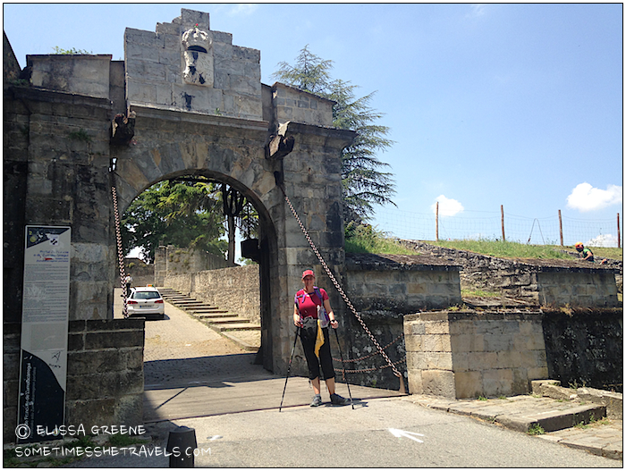 "1355 We reached the Portal de Francia or ""French Gate"" and entered the old part of the city of Pamplona."