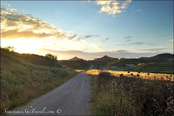 camino de santiago sunrise over nájera hills