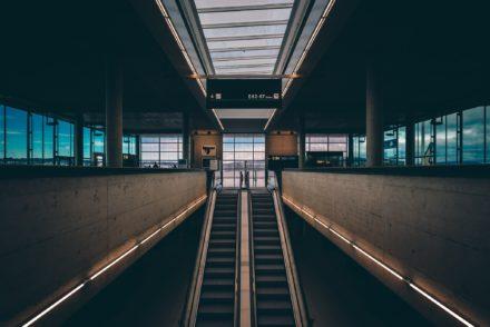 empty-airport-escalator