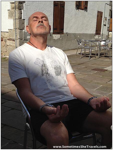 Félix enjoying the morning sun during second breakfast