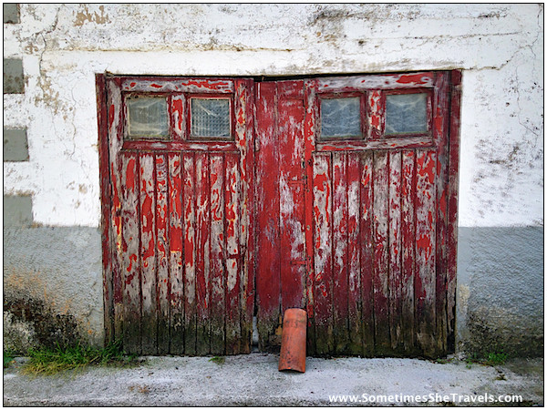 I loved the doors, walls, and windows I saw along the Way