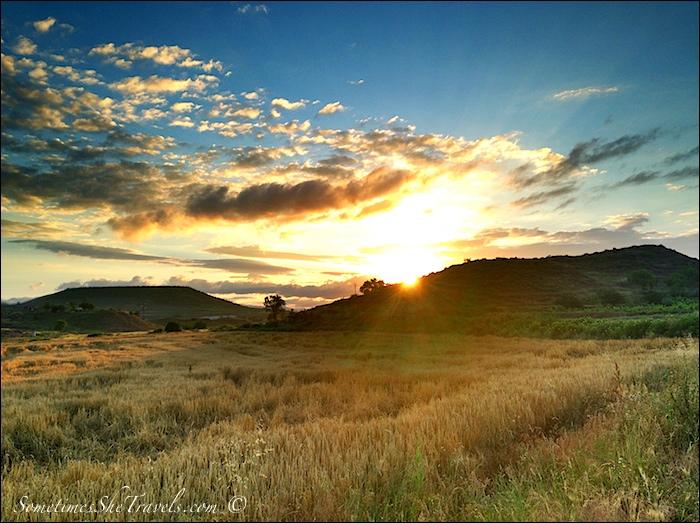 camino de santiago sunrise over nájera hills 2